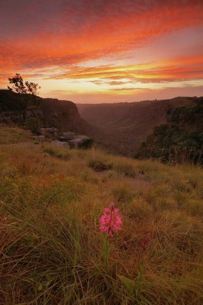 Kloof Gorge surise, photo by Andrew McKay